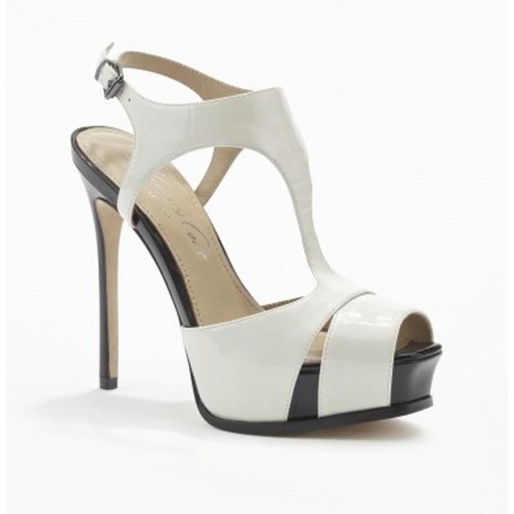 Open Tier Sandal [White]